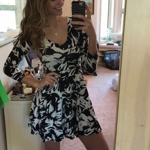 Abercrombie & Fitch Black and White casual dress